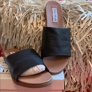 New in Box Steve Madden Leather Slide